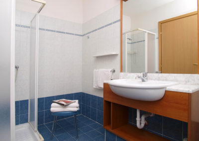 Camere bagno / Bathroom rooms / Badezimmerzimmer
